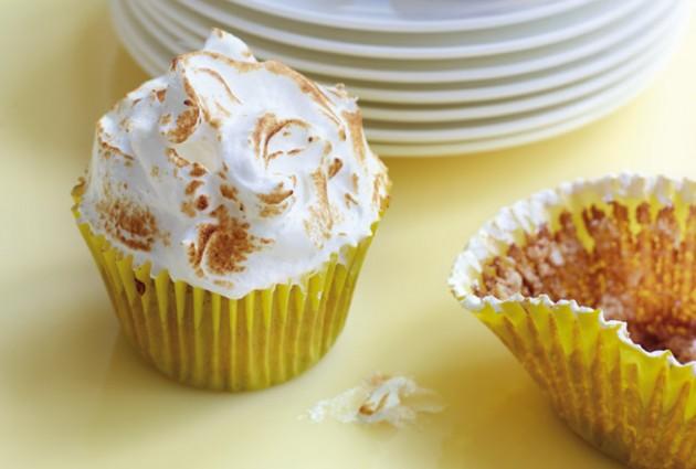 meringue cupcakes lemon meringue cupcakes with lemon cupcakes lemon ...