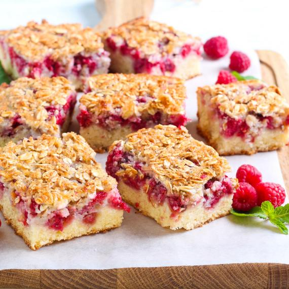 Raspberry oat bars | MummyPages.MummyPages.uk