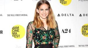 Actress Anna Chlumsky welcomes her second child
