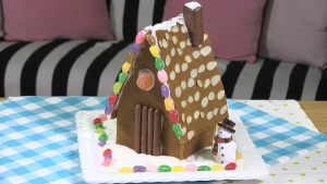FUN! Build a delicious gingerbread house with your kiddies this weekend