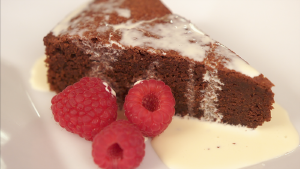 YUM! This flourless chocolate cake recipe is pure perfection
