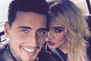 Stephanie Davis and Jeremy McConnell bury the hatchet for the sake of their baby