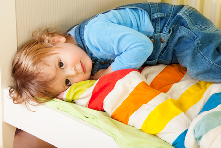 how to get your toddler to sleep earlier